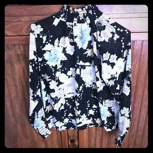 Adorable sheer floral H&M top